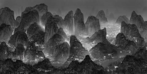 Futuristic megalopolis by Yang Yongliang