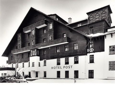 Clemens-Holzmeister_Hotel-Post_St.-Anton-am-Arlberg_Foto-Christoph-Lackner_1996
