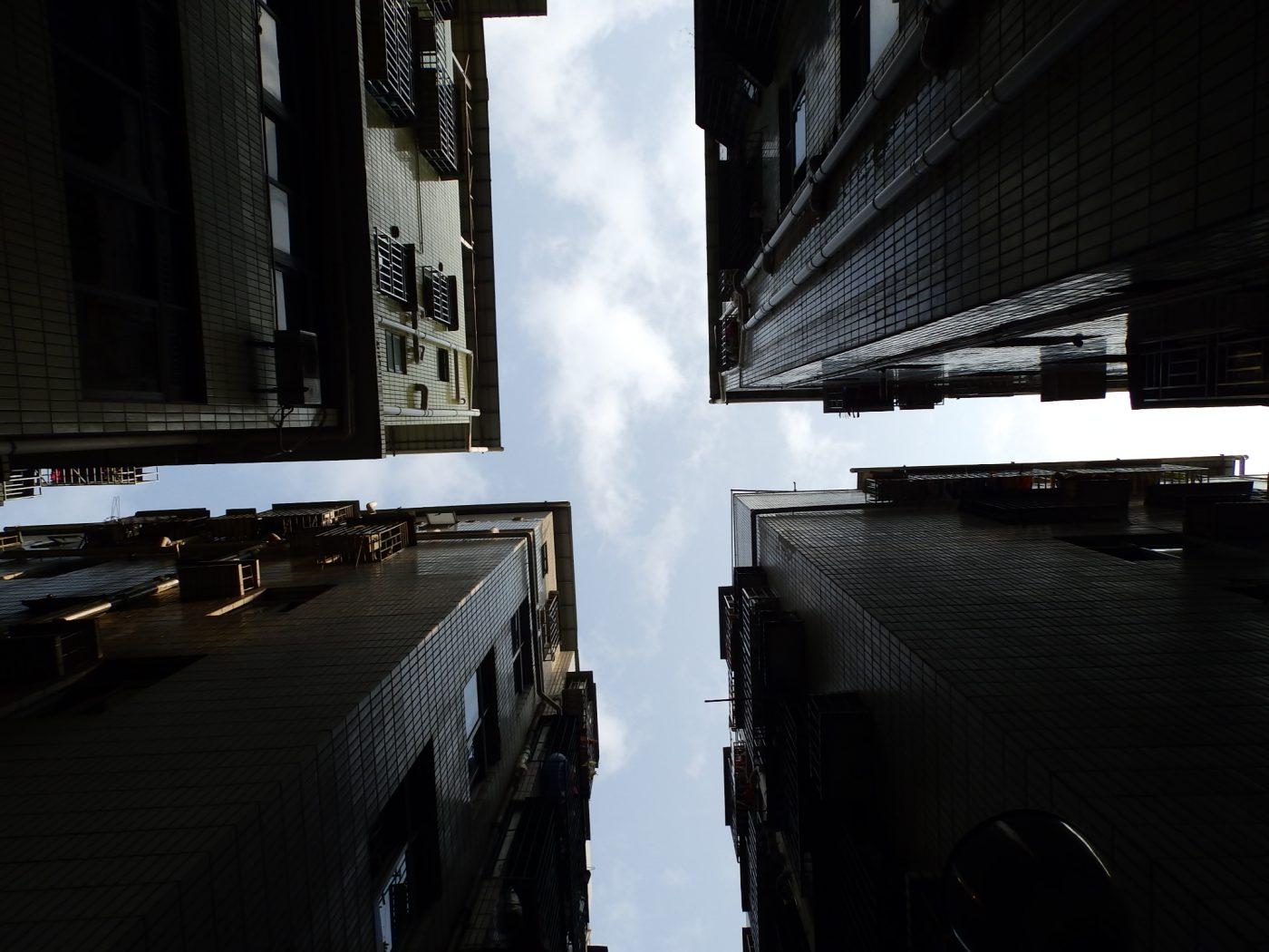 RSVP#16: Self-Building Building
